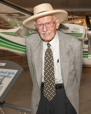 Bob Hoover | California Aviation Hall of Fame | Museum of Flying