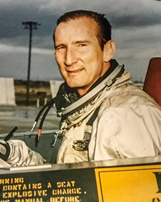 Col. Bob Gilliland | California Aviation Hall of Fame | Museum of Flying