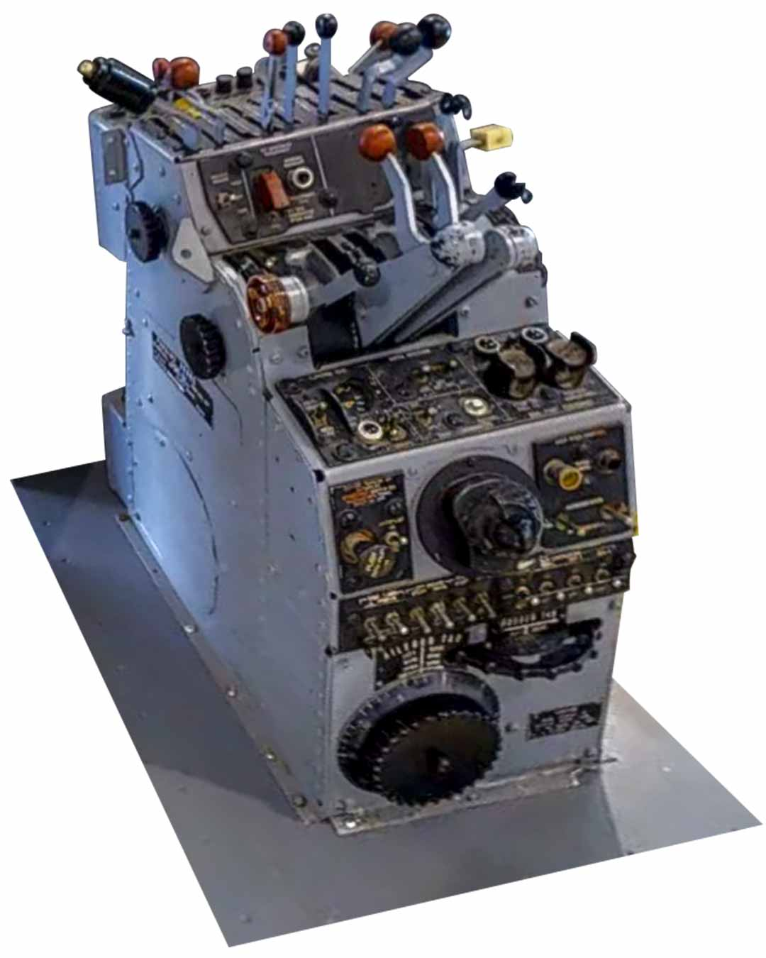 The P2V Neptune Flight Deck Console | Museum of Flying